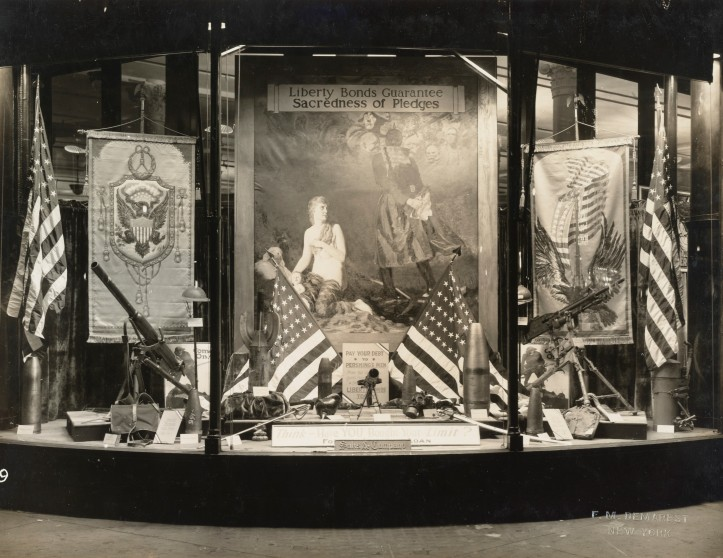 165-ww-233A-057 Saks window display crop.jpg